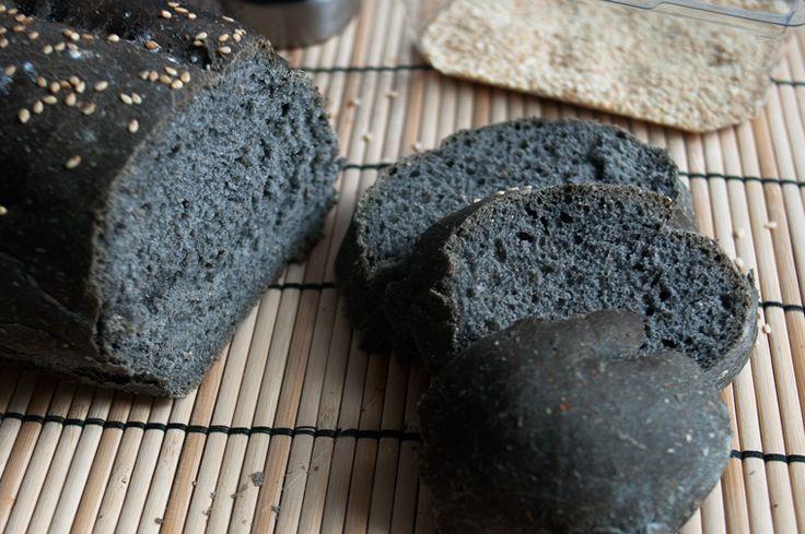 Pane e pizza al carbone vegetale: la legge in vigore non lo consente